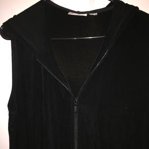 Chicos travelers black zippered hooded vest